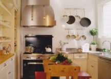 Wall-mounted stainless steel pots