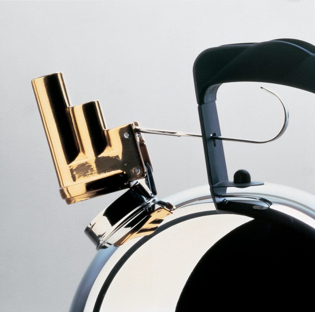9091 (1983) kettle for Alessi.Photo: Archivio Alessi viaDie Neue Sammlung.