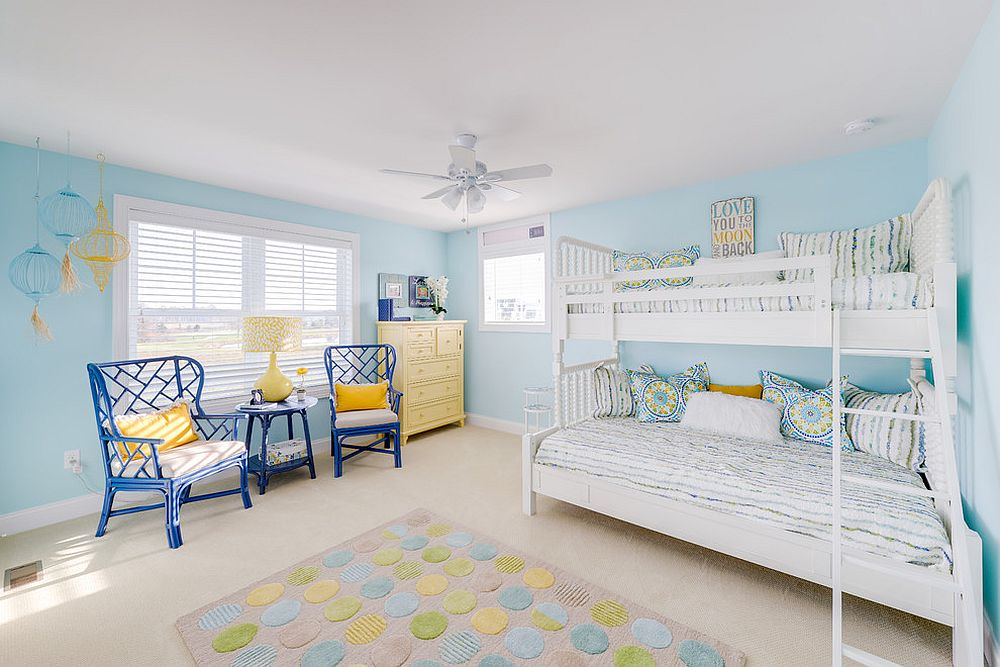 Beach style kids' room in blue with a hint of yellow [Design: Schell Brothers]