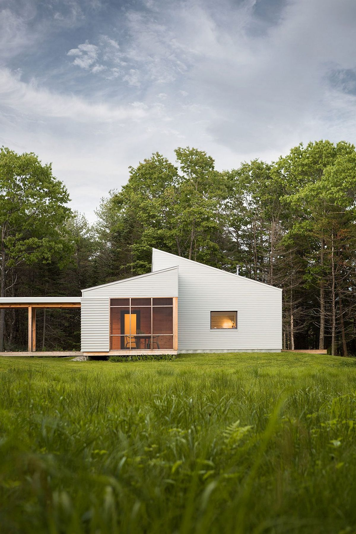 Beautiful house in Maine combines traditional and modern design elements