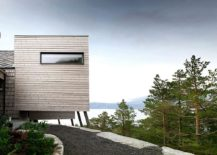 Cantilevered-structure-of-the-modern-cabin-with-ocean-views-in-Norway-217x155