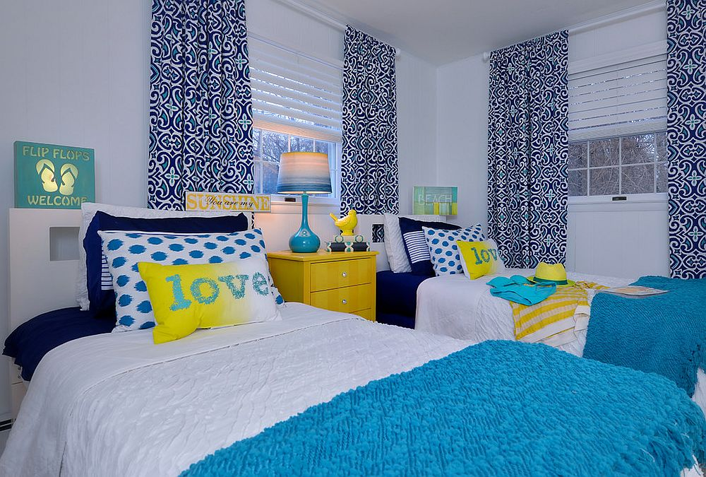 Cheerful combination of yellow and blue in the stylish kids' bedroom [Design: HarLoe Interiors]