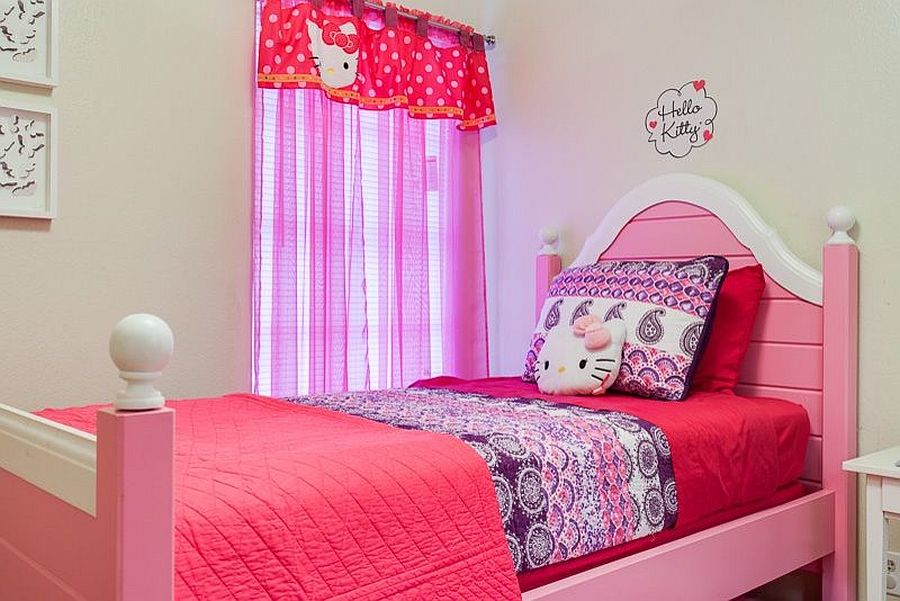 15 hello kitty bedrooms that delight and wow for Hello kitty bedroom design