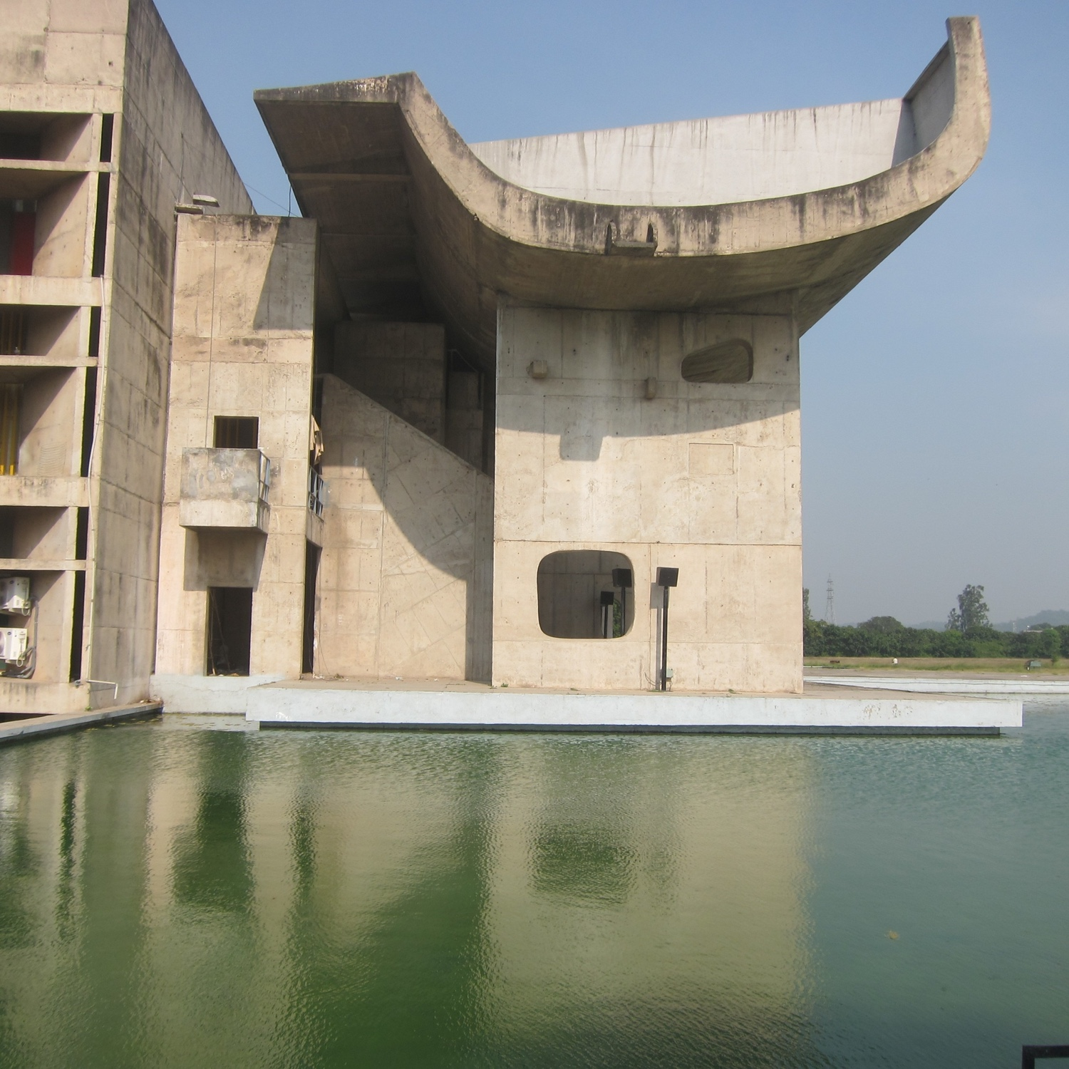 Complexe du Capitole, Chandigarh, India, 1952. Photo by Bénédicte Gandini © FLC/ADAGP.