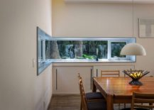 Corner-window-connects-the-dining-room-with-the-backyard-217x155