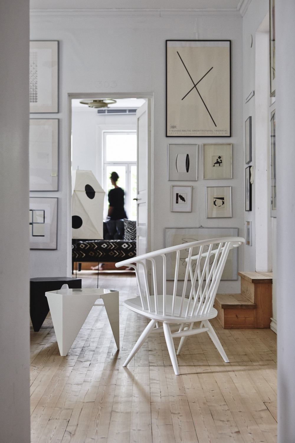 Crinolette Armchair in lacquered white. Image courtesy of Artek.