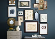 Dark-blue-is-the-perfect-backdrop-for-a-stunning-entry-gallery-wall-217x155