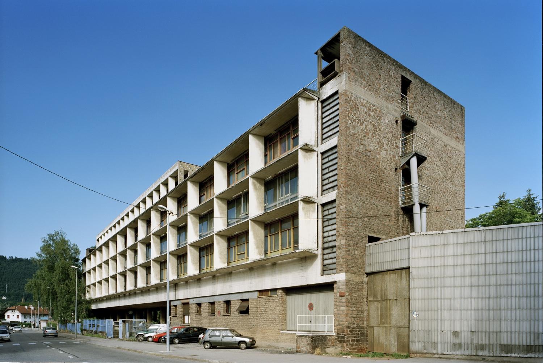 Usine Claude et Duval Factory, Saint-Dié, France, 1946. Photo byOliver Martin-Gambier©FLC/ADAGP.