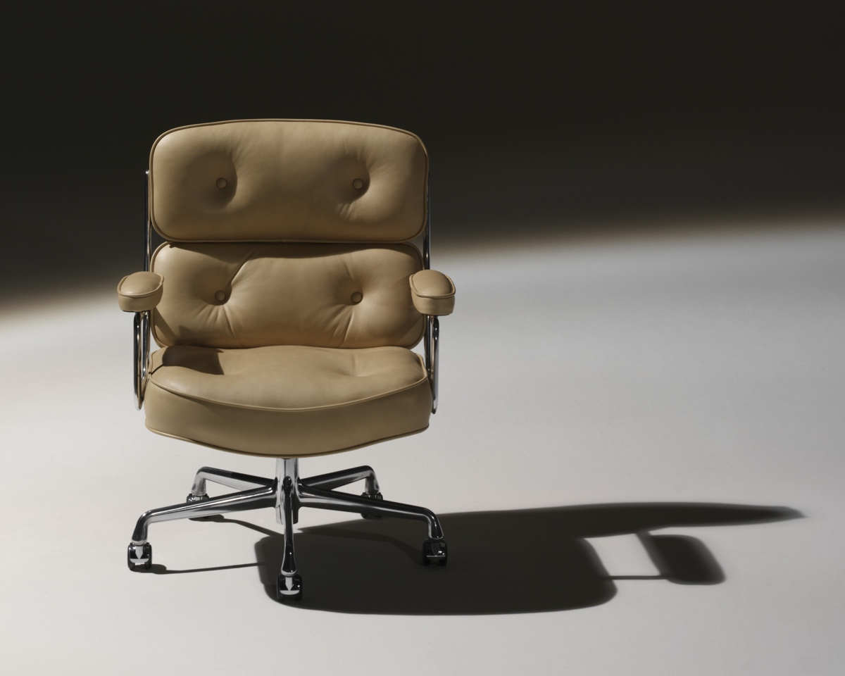 10 Iconic Chair Designs from the 1960s