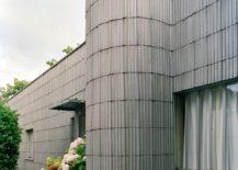Detail facade on road, Petite villa