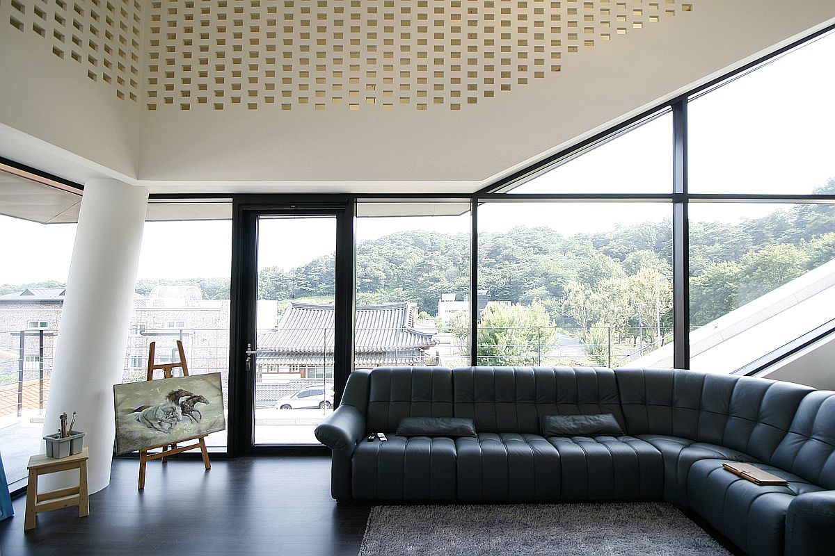 Family room and art studio at the South Korean home