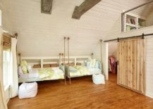 Hanging-beds-for-the-cheerful-beach-style-kids-bedroom-217x155