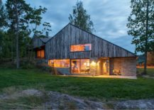 House by Schjelderup Trondahl Architects AS evening 217x155 Back in Vogue: 10 Homes with Steeply Pitched Roofs