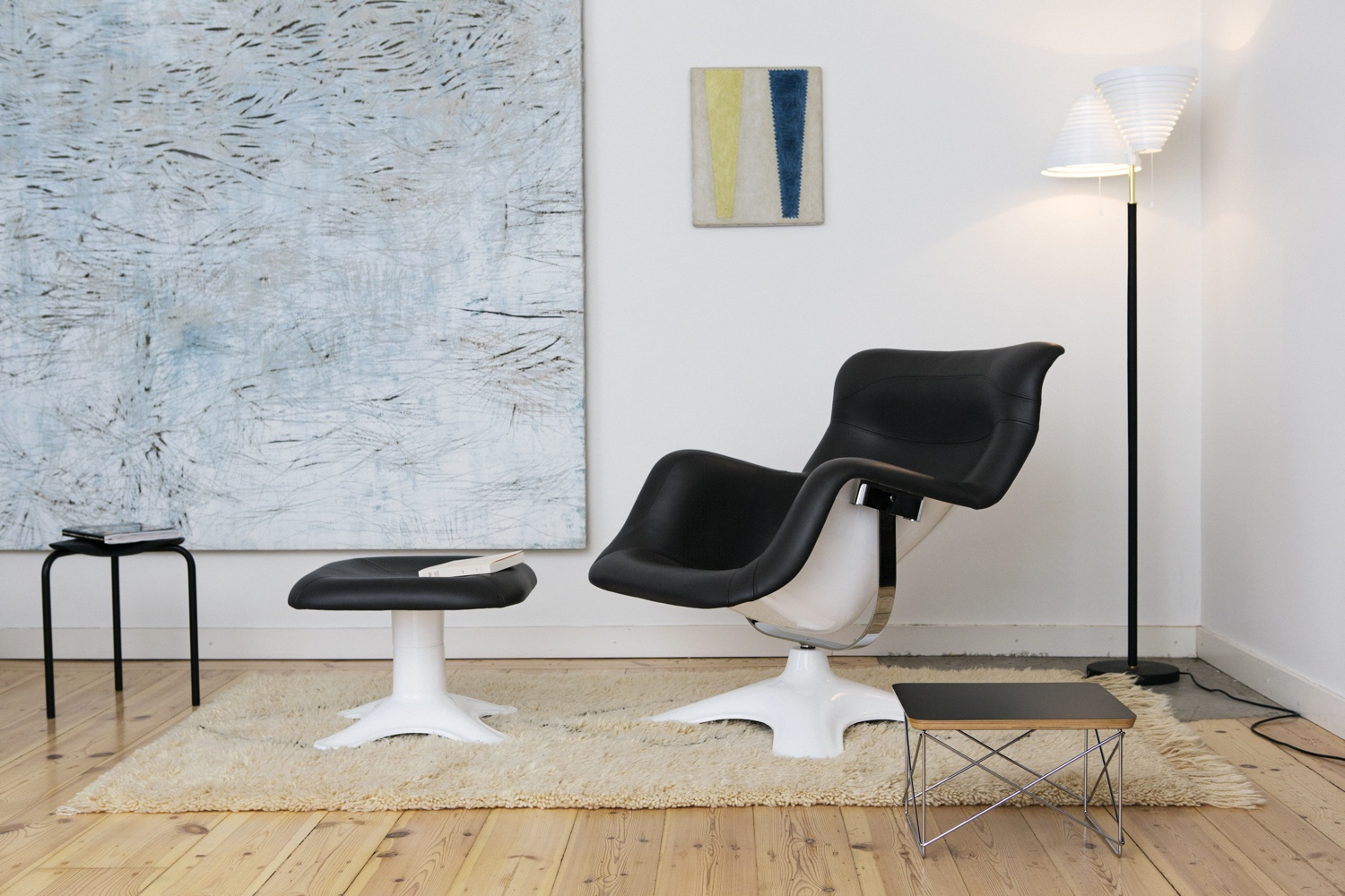 Karuselli Lounge Chair and Karuselli Ottoman. Image by Mikko Ryhänen courtesy of Artek.