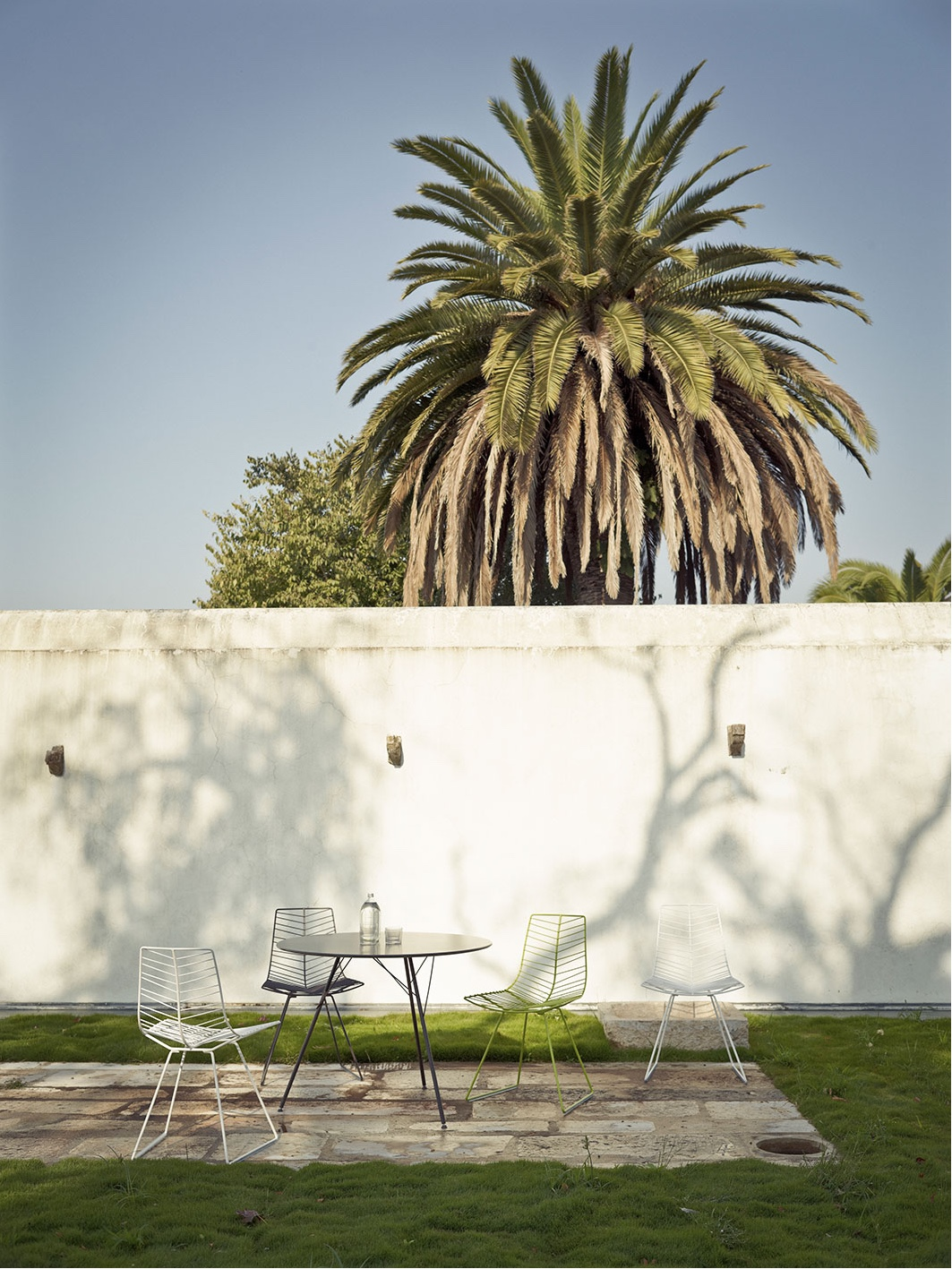 Leaf sled chair.Image courtesy ofLievore Altherr Molina.