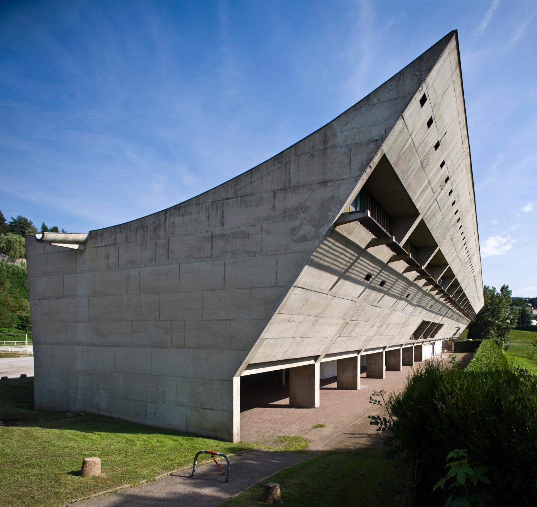 Maison de la Culture's scooped roof.Photo byOliver Martin-Gambier©FLC/ADAGP.
