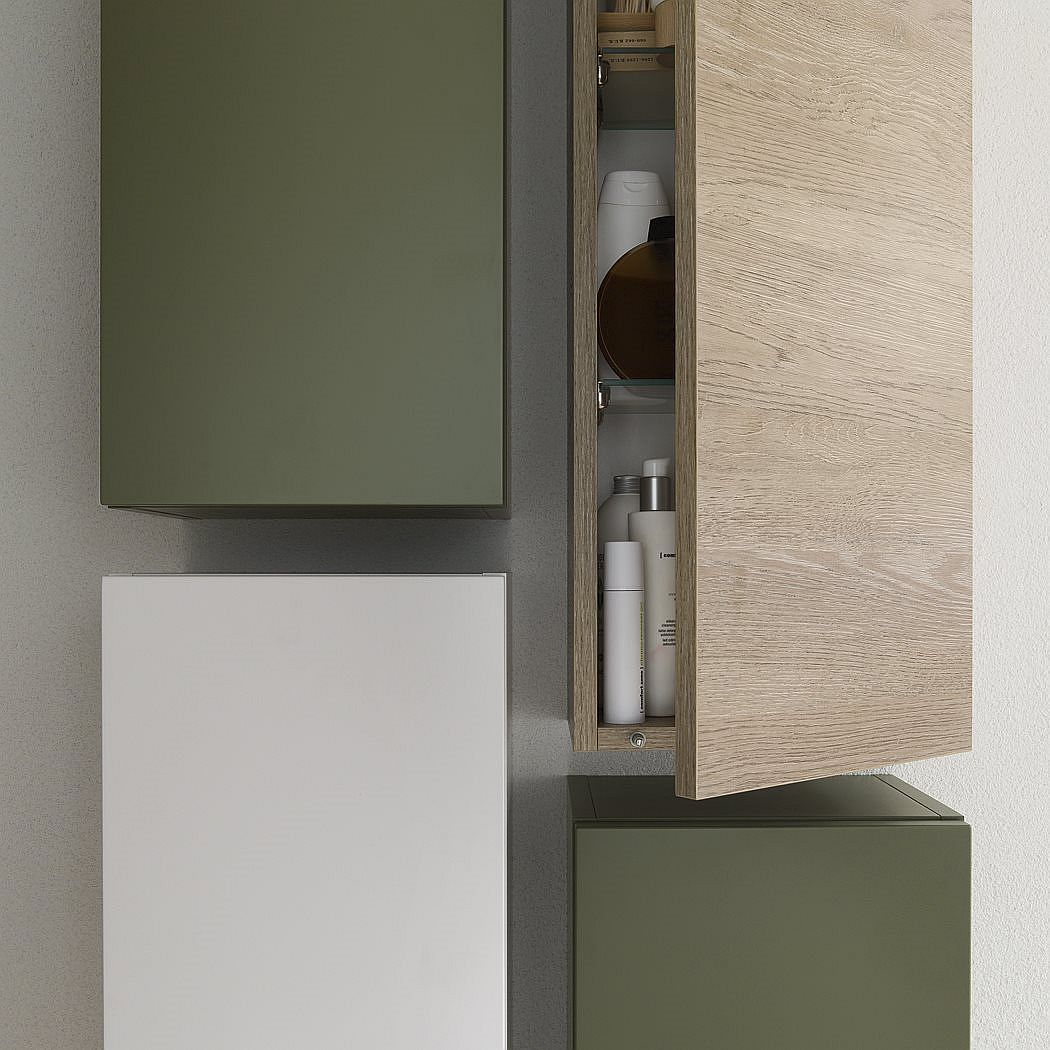 Minimal medicine cabinet design
