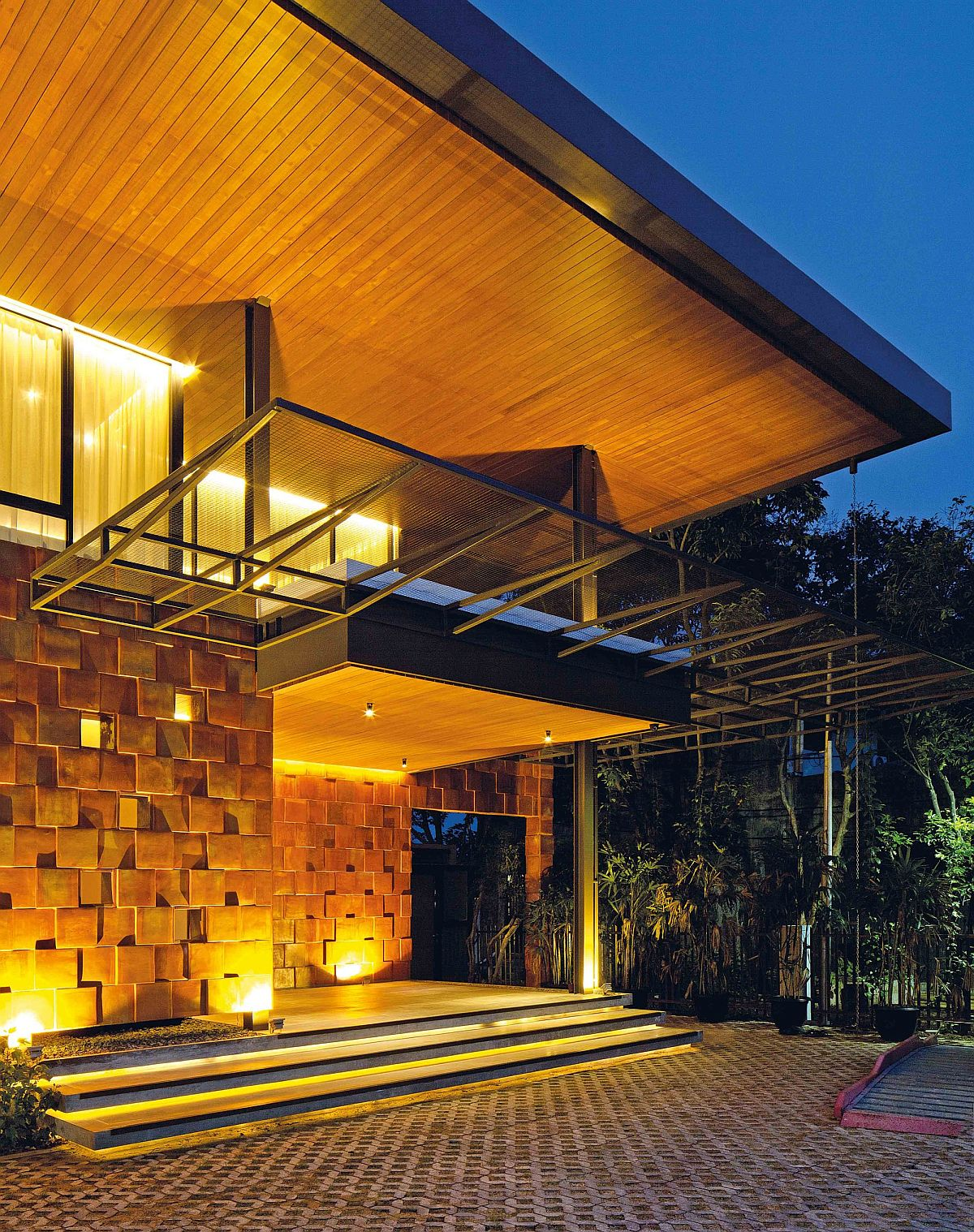 Modern house in Jakarata with 19 bedrooms spread across two levels