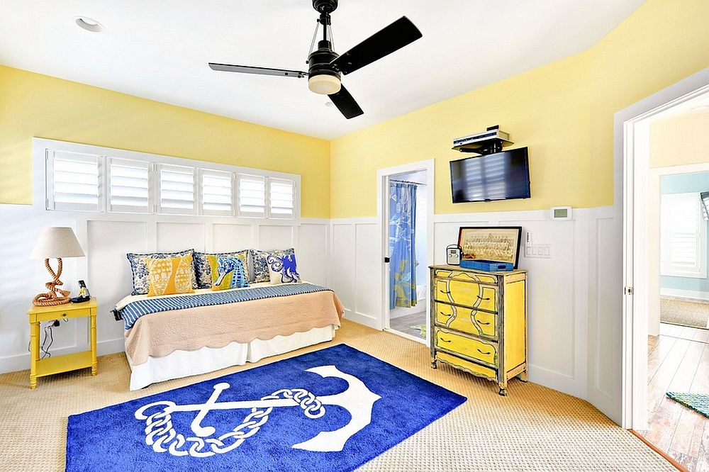 Nautical kids' bedroom in blue, yellow and white