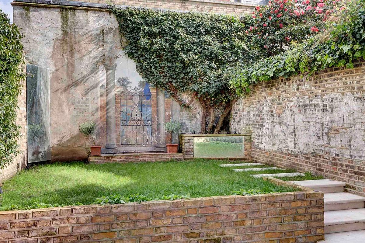 New landscape and rear yard of the grade II listed house in London