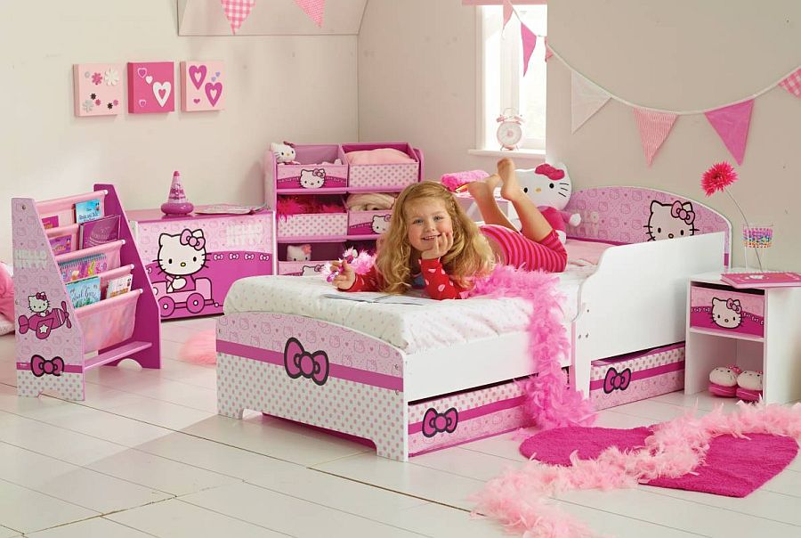 Plenty Of Options To Choose From While Creating A Unique Hello Kitty Bedroom