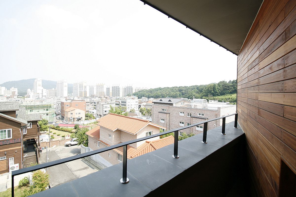 Private decks around the house allow homeowners to take in the scenic view