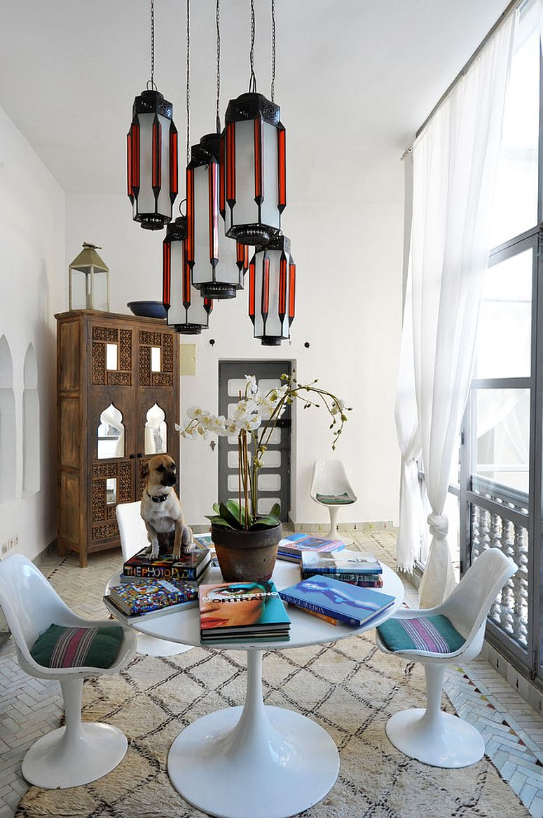 Shabby chic coupled with Moroccan touches in the informal dining room [Design: Maryam Montague – Artisan Books]