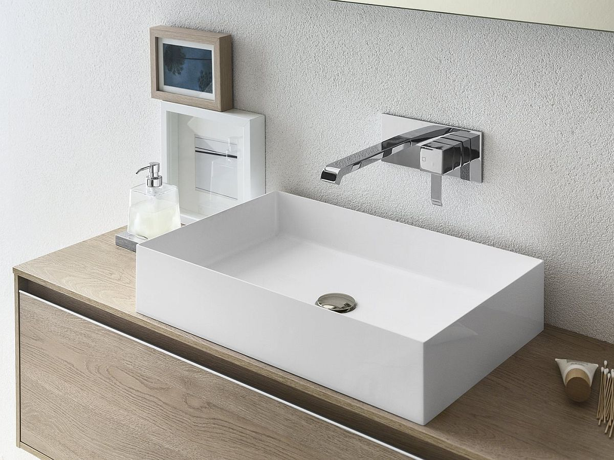 Small bathroom vanity and sink design idea
