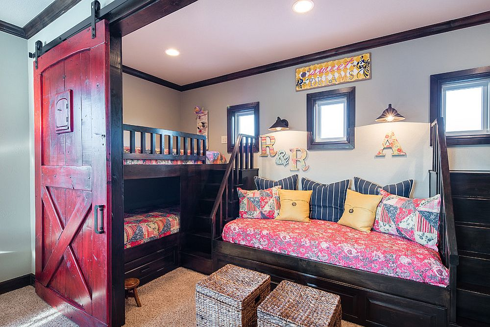 Smart arrangement of beds in the kids' bedroom to save space [From: Carlos Barron Photography]