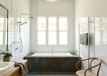 Spaciou and light-filled bathroom in white