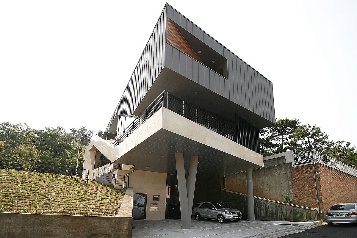 Striking, floating facade of the family residence in Gwangju, South Korea