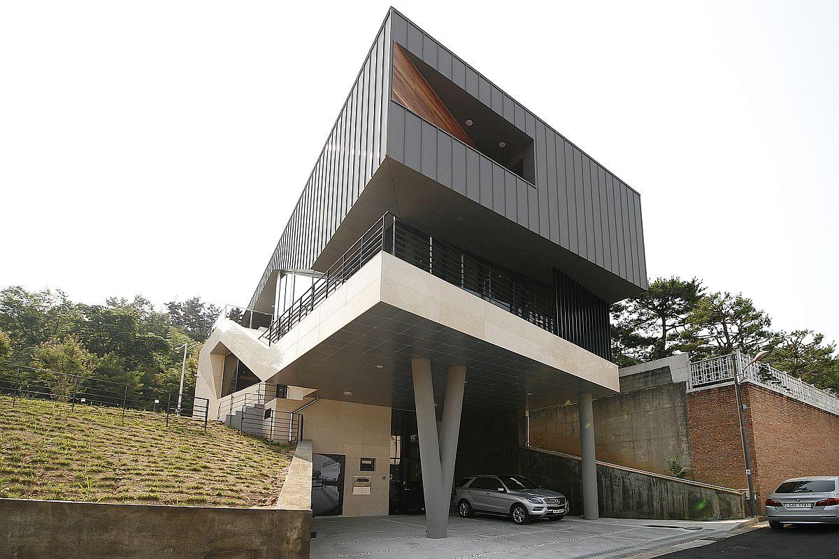 Striking, floating facade of the family residence in Gwangju, South Korea