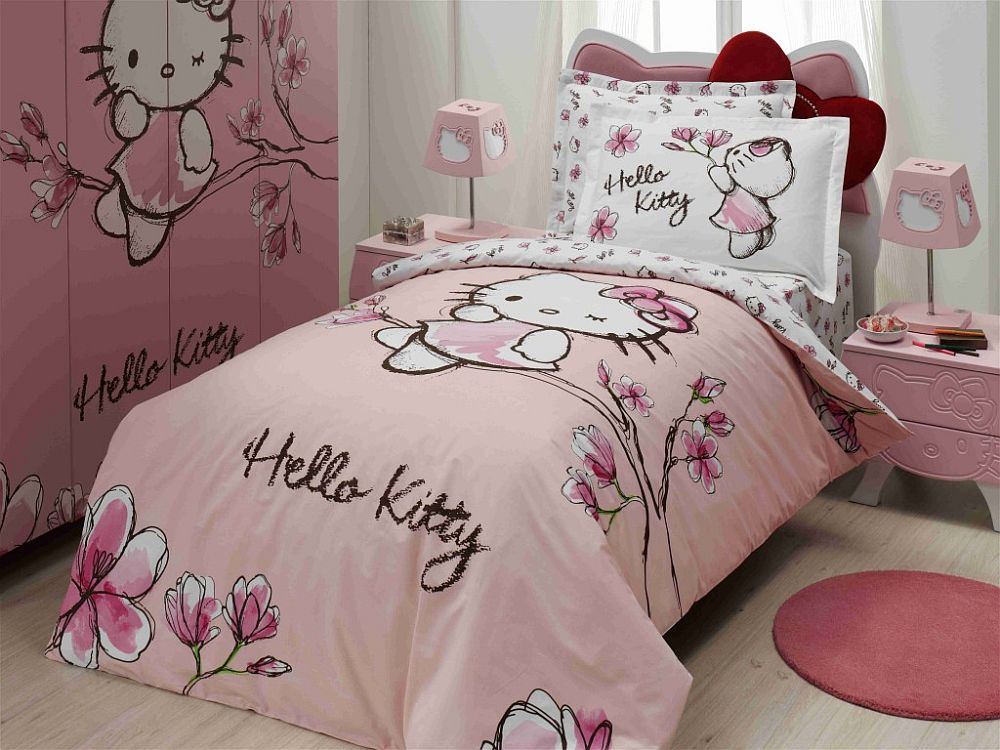 Stylish Hello Kitty duvet and custom bedroom closet from eBay