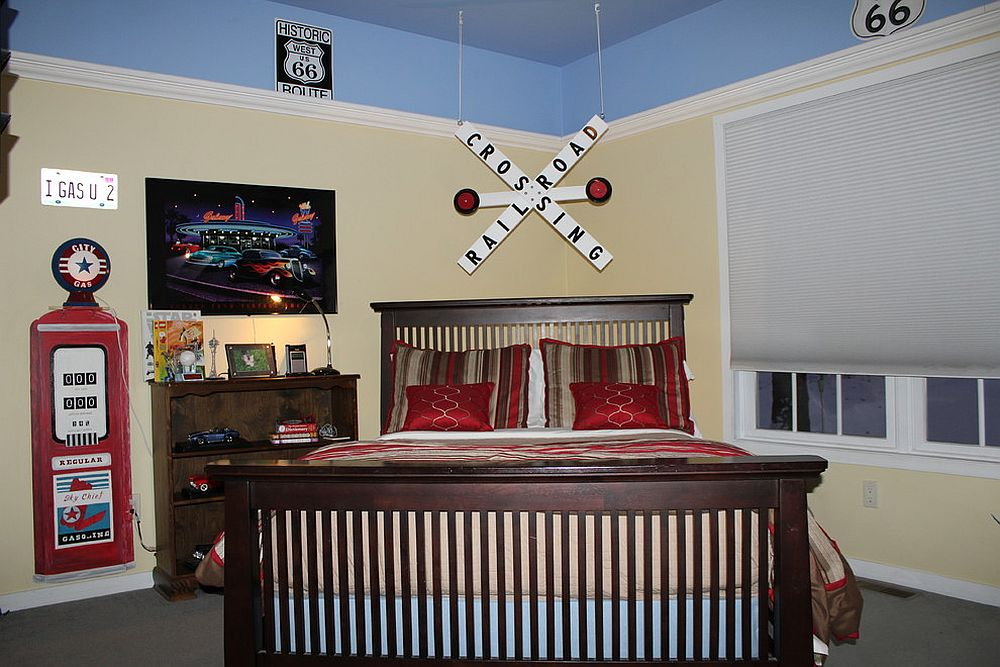 Traditional bedroom decorated with street signs
