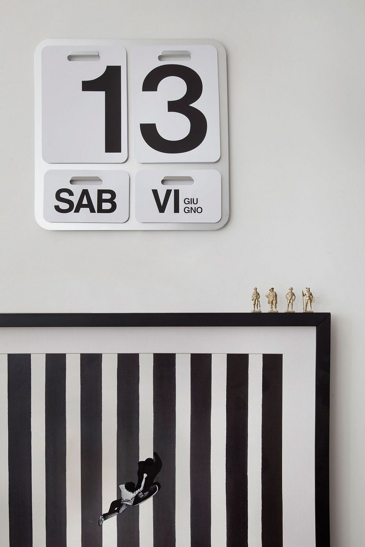 Turn the calander into a striking addition in the living room