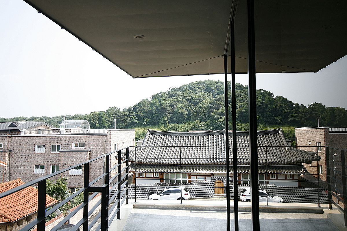 View of the landscape and streets around the house from the balcony