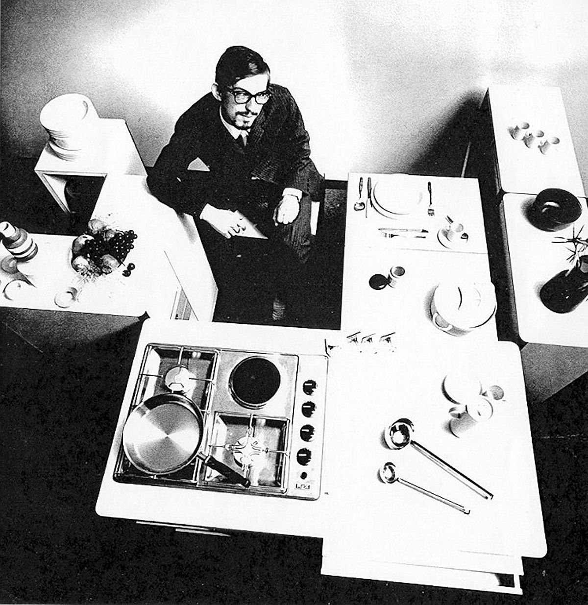 Virgilio Forchiassin at work as he creates the trendsetting Spazio Vivo
