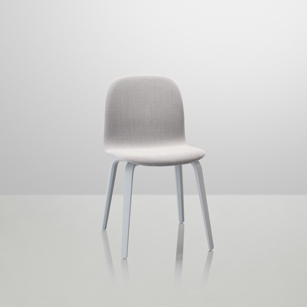 The Visu chair by Finnish designerMika Tolvanen for Muuto in Kvadrat's Steelcut Trio. Image courtesy of Muuto.
