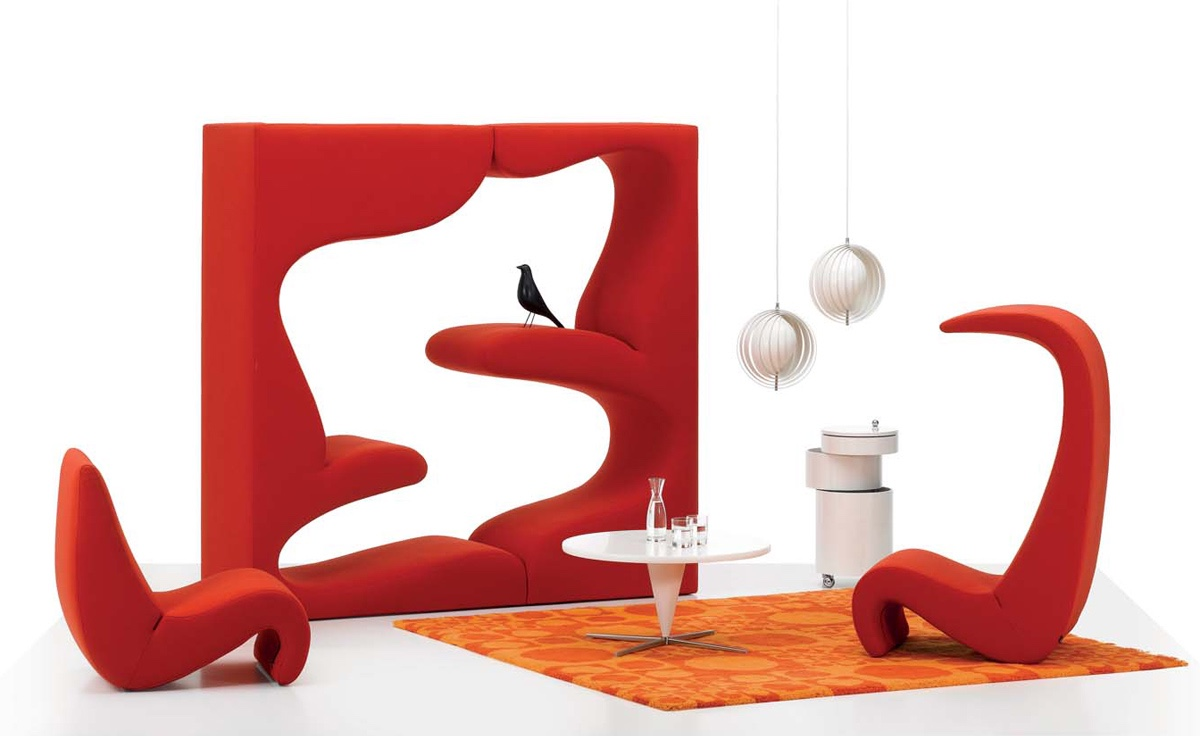 Overview designer manufacturer media reviews - View In Gallery Amoebe Chair And High Back Version Pictured With Verner Panton S 1969 Living Tower