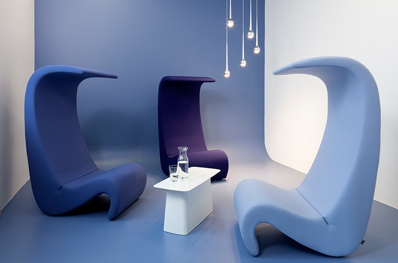 Amoebe high-back chairs. Image via Jules Seltzer Associates.