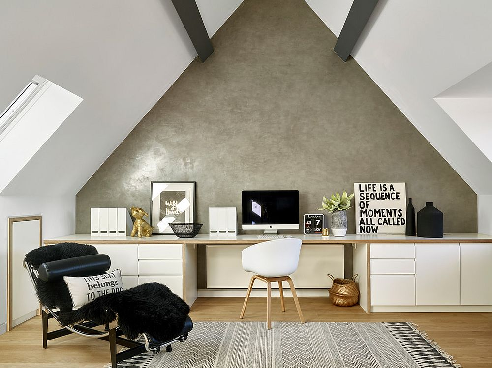 An unassuming accent wall idea for the white home office [Design: LEIVARS]