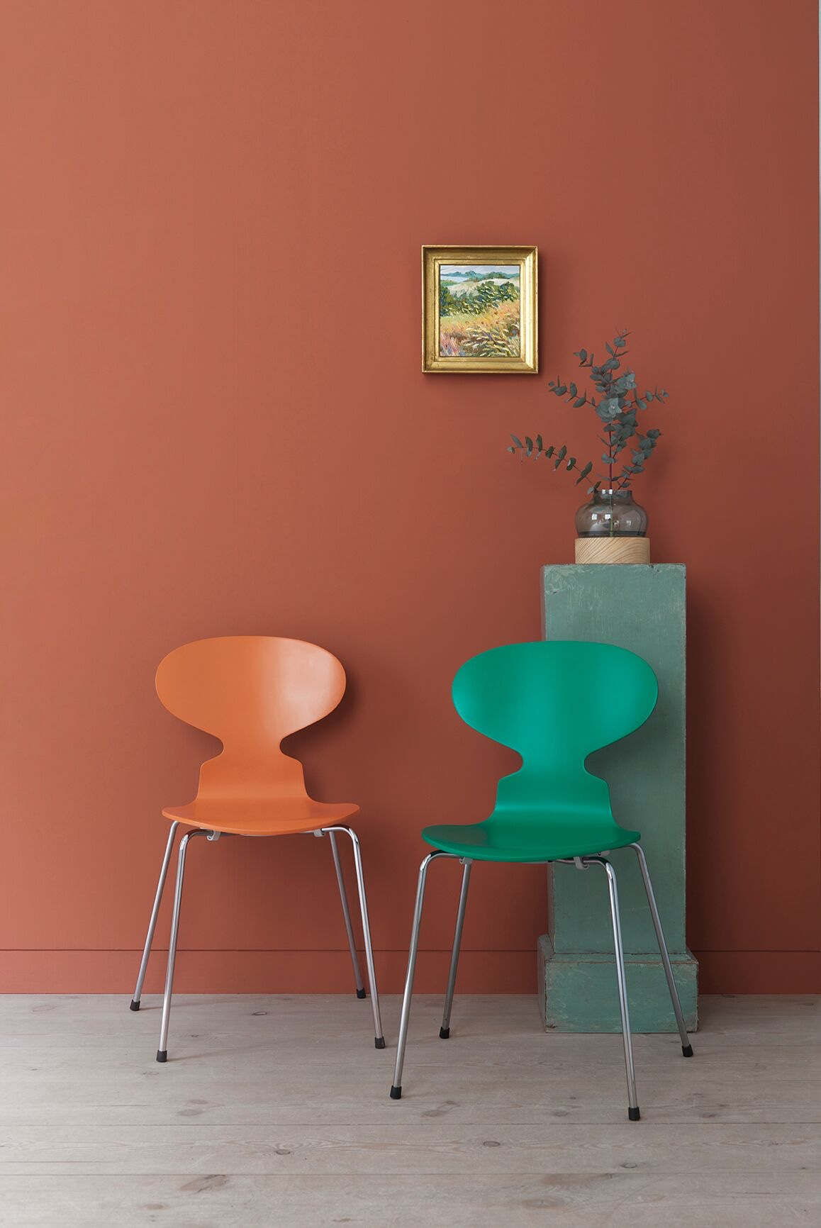 Ant™ in Chevalier Orange and Hüzün Green. Colours by Danish artist Tal R.
