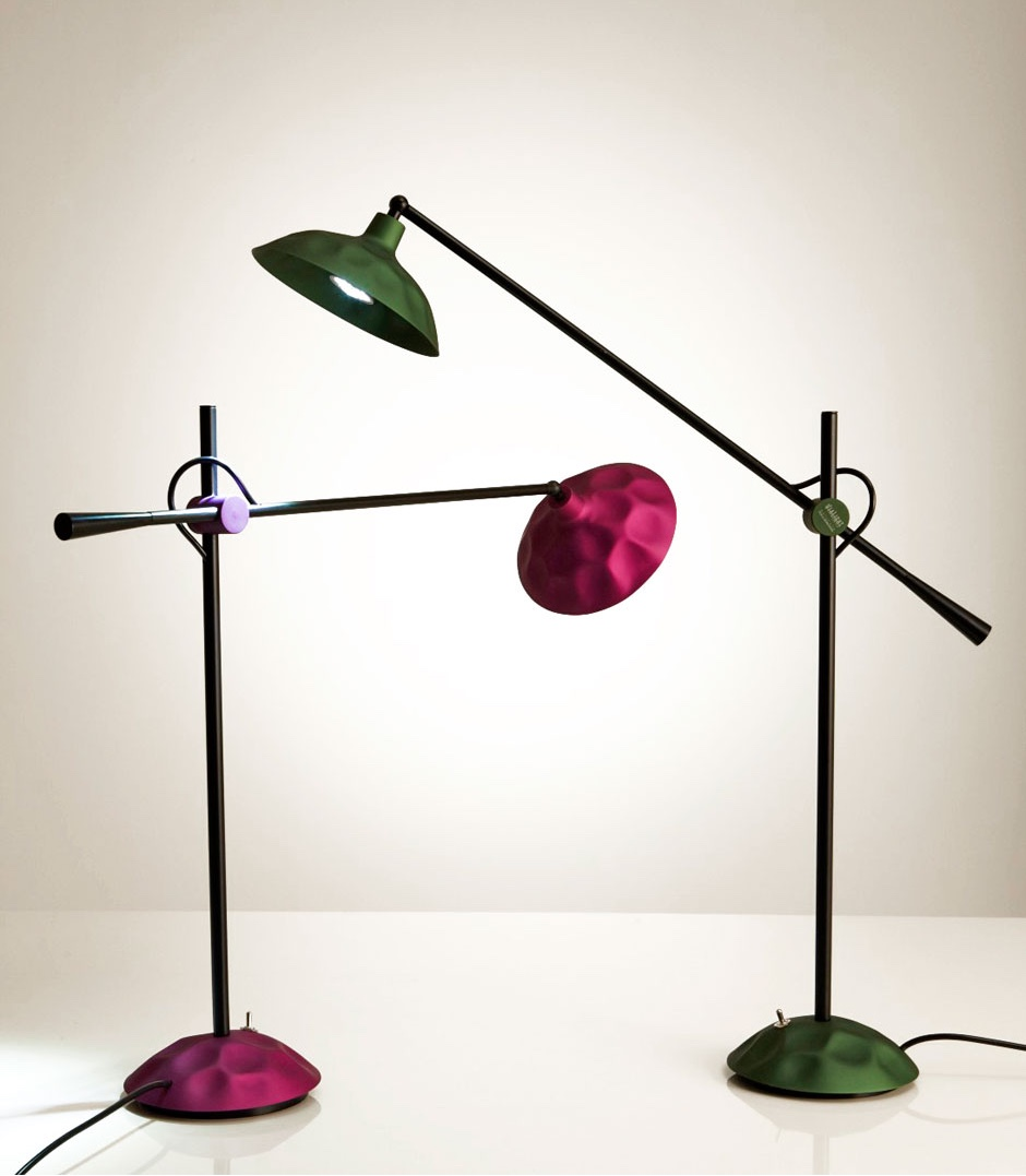 The Batucada task lamp in hand-hammered and anodised aluminium.Image ©Jahara Studio.