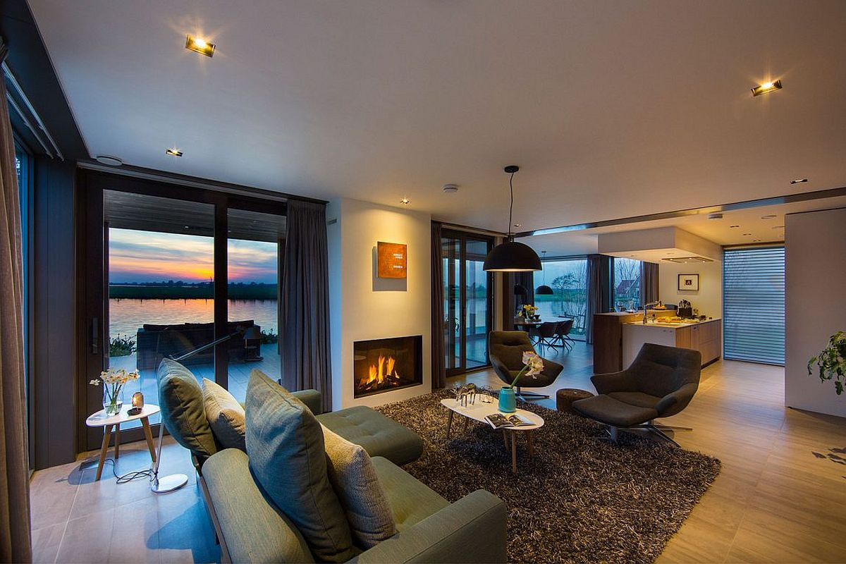 Beautiful views of the river become a part of the living room