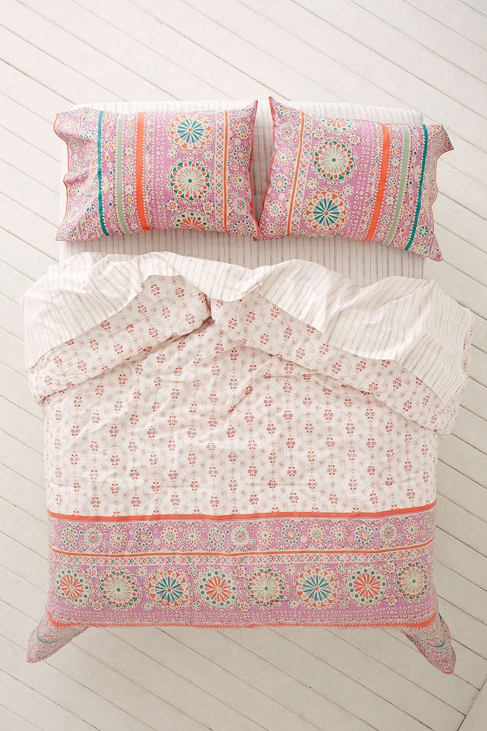 Bedding set from Urban Outfitters