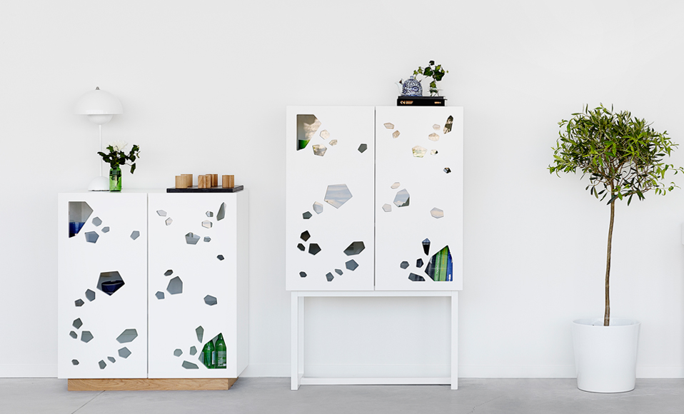 Cutout cabinet from A2