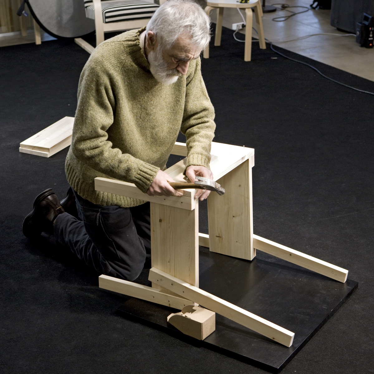 Enzo Mari building the Sedia 1.