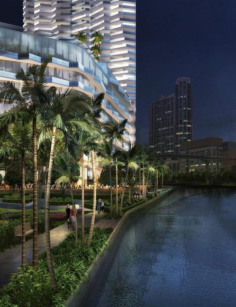 Exciting nightlife, private beach frontage and a walk next to Miami River – Life at One Brickell
