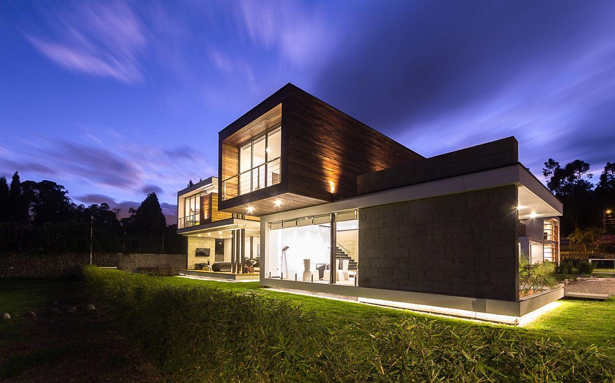 Exquisite and spacious contemporary residence in Cuenca, Ecuador