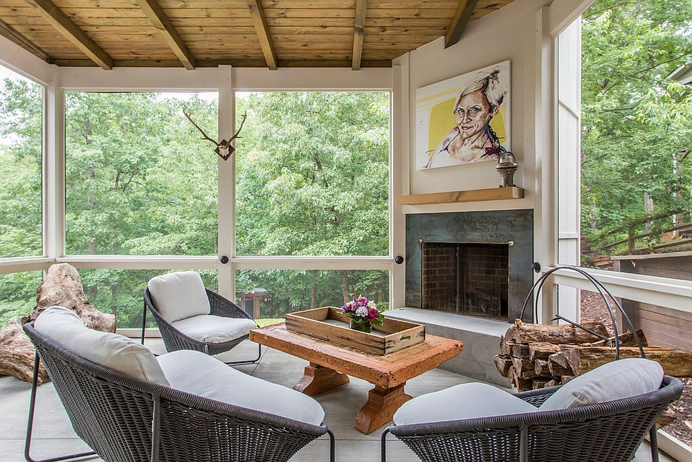 Industrial elements combined with rustic style in the cozy sunroom [Design: Renew Properties]